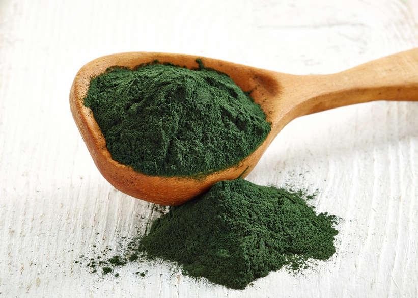 Spirulina ist ein eisenhaltiges Lebensmittel gegen Eisenmangel